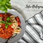 Tofu-Bolognese mit Pasta
