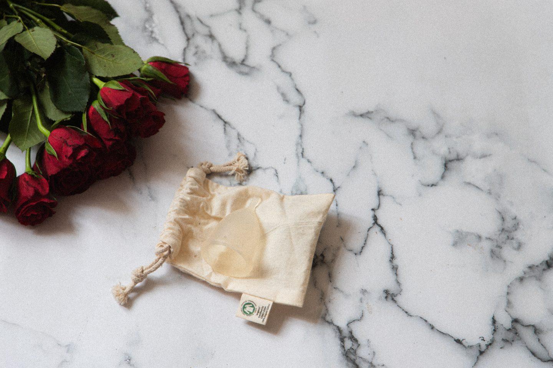 Menstruationstasse als nachhaltige Alternative
