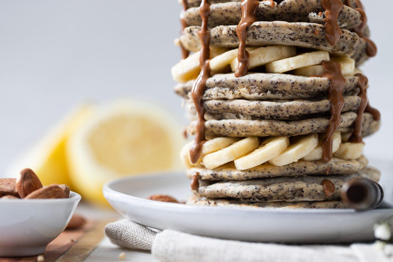 Pancakes mit Mohn und Zitrone